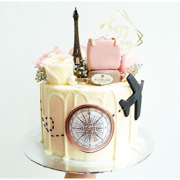 Travel theme cake